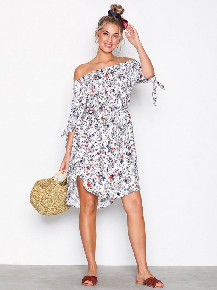 JDYVICTORY 3/4 OFF SHOULDER DRESS W