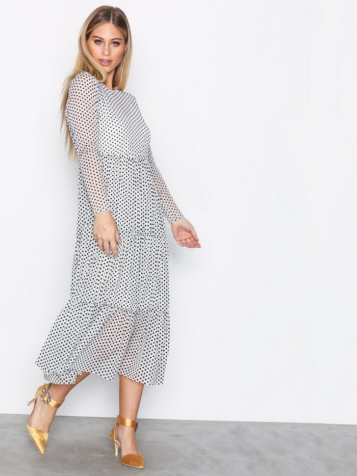 Nelly.com SE - VMSOFIE LS DRESS 199.00 (499.00)