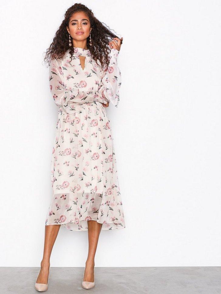 Nelly.com SE - YASMOST L/S LONG DRESS 594.00 (849.00)