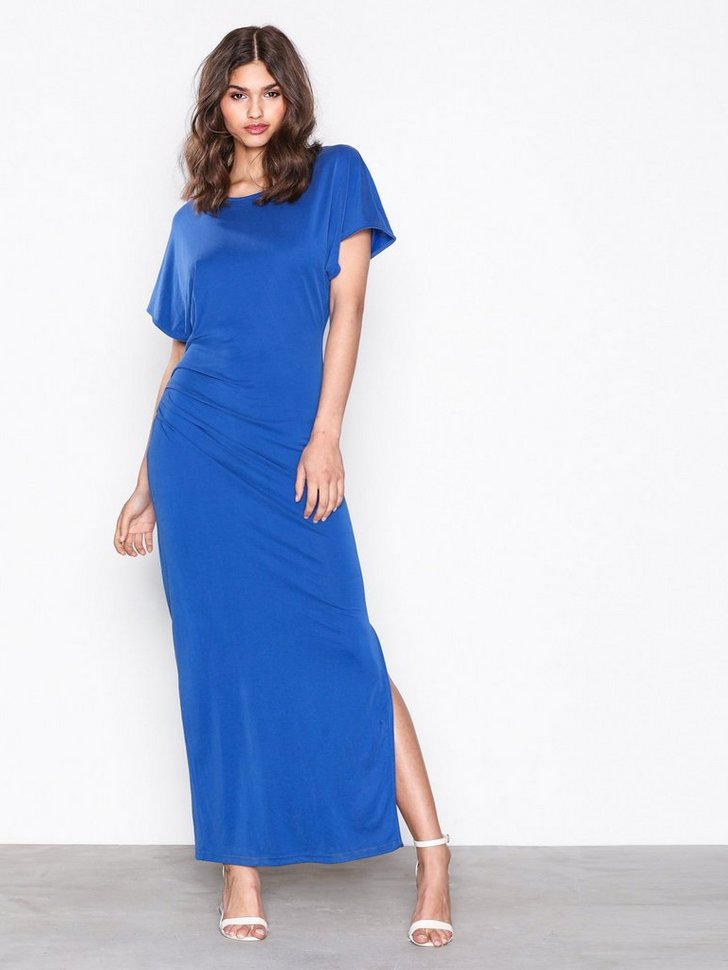Nelly.com SE - SFHELEN SS PLEAT DRESS 419.00 (599.00)