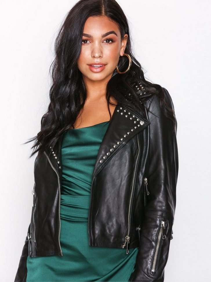 Nelly.com SE - VMNABBA STUD SHORT LEATHER JACKET 1899.00