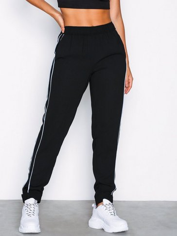 Pieces - PCFLORA MW TAPERED ANKLE PANTS DC