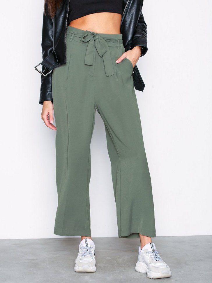 Nelly.com SE - VIBLAMI HW CROPPED PANT 449.00