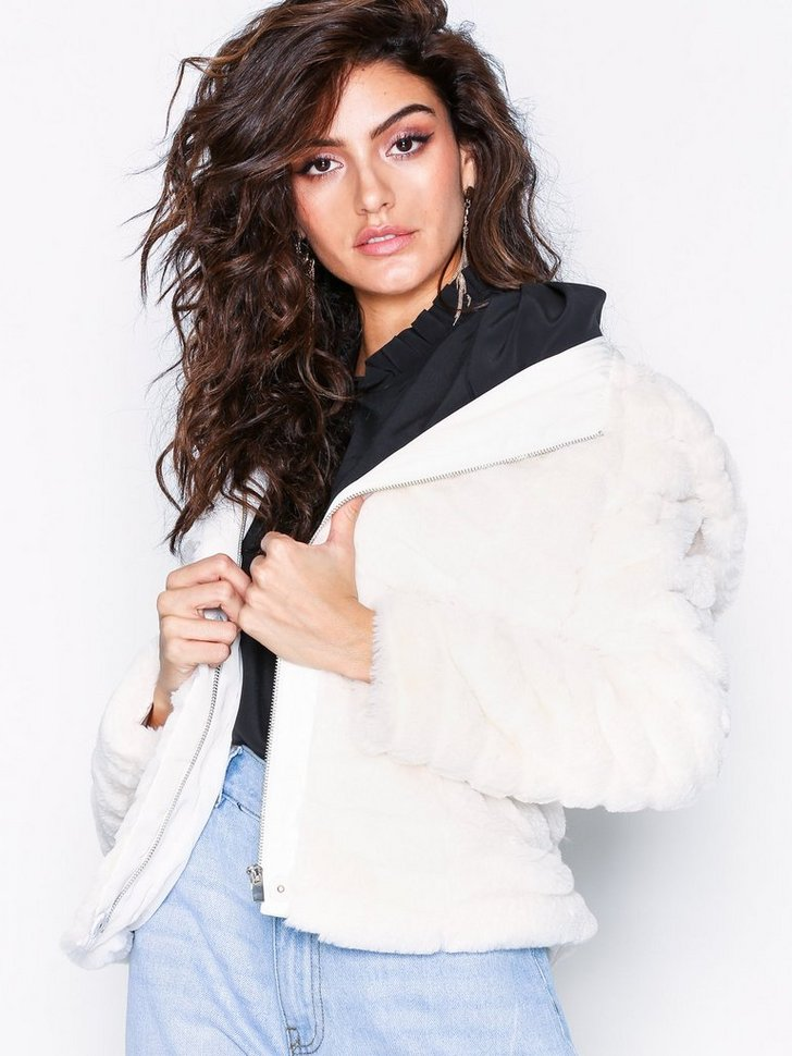 Nelly.com SE - VIMAYA FAUX FUR JACKET/1 849.00