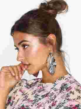 PCMAILIN EARRINGS D2D