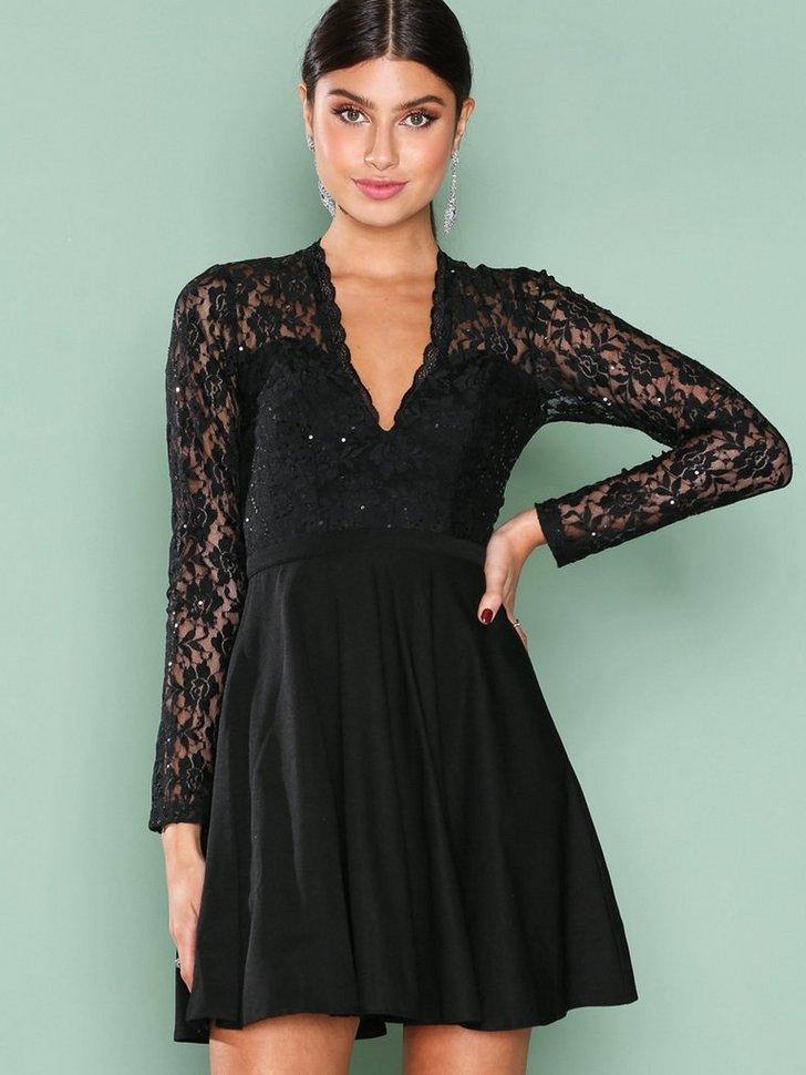 546f4bedda6f Shoppa klänningar billigt online till bästa pris