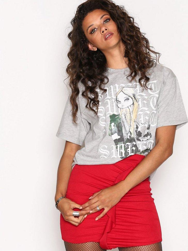 Nelly.com SE - Pea Raven T-Shirt 198.00 (248.00)