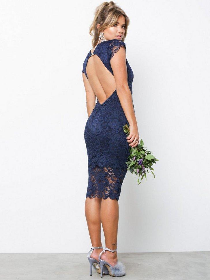Nelly.com SE - Faye Cap Sleeve Midi Dress 909.00 (1298.00)