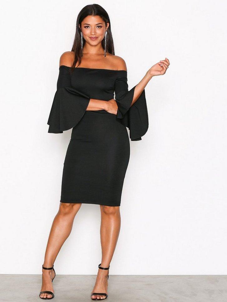Nelly.com SE - Trumpet Sleeve Dress 398.00