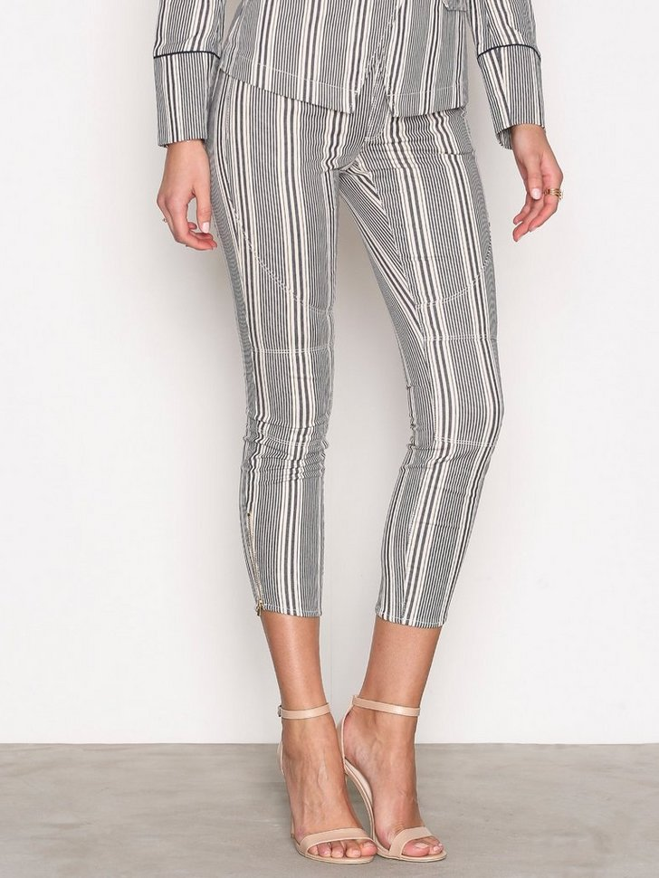 Nelly.com SE - Billy Striped Pant 897.00 (1794.00)