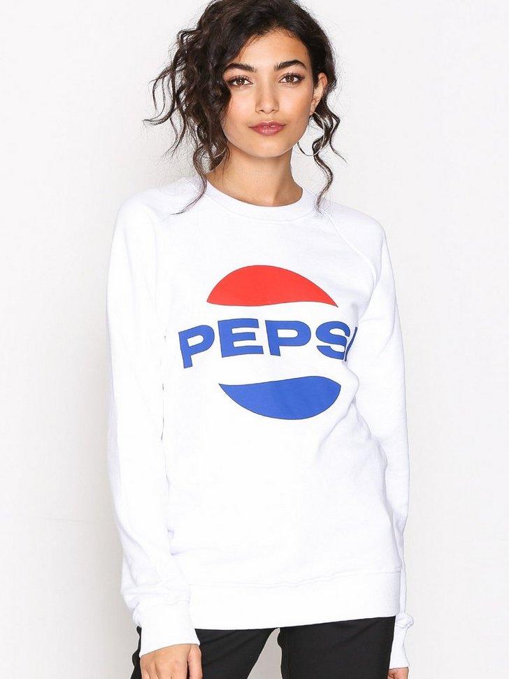 Nelly.com SE - Pepsi Crew Sweater 598.00