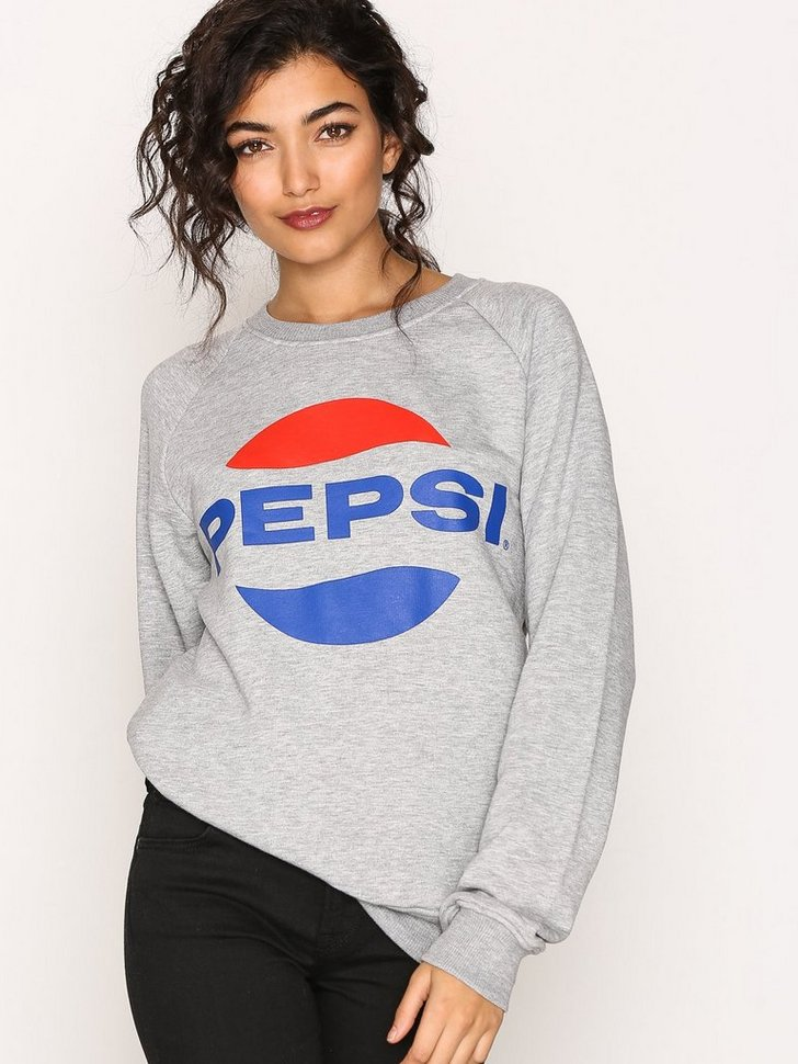 Nelly.com SE - Pepsi Crew Sweater 299.00