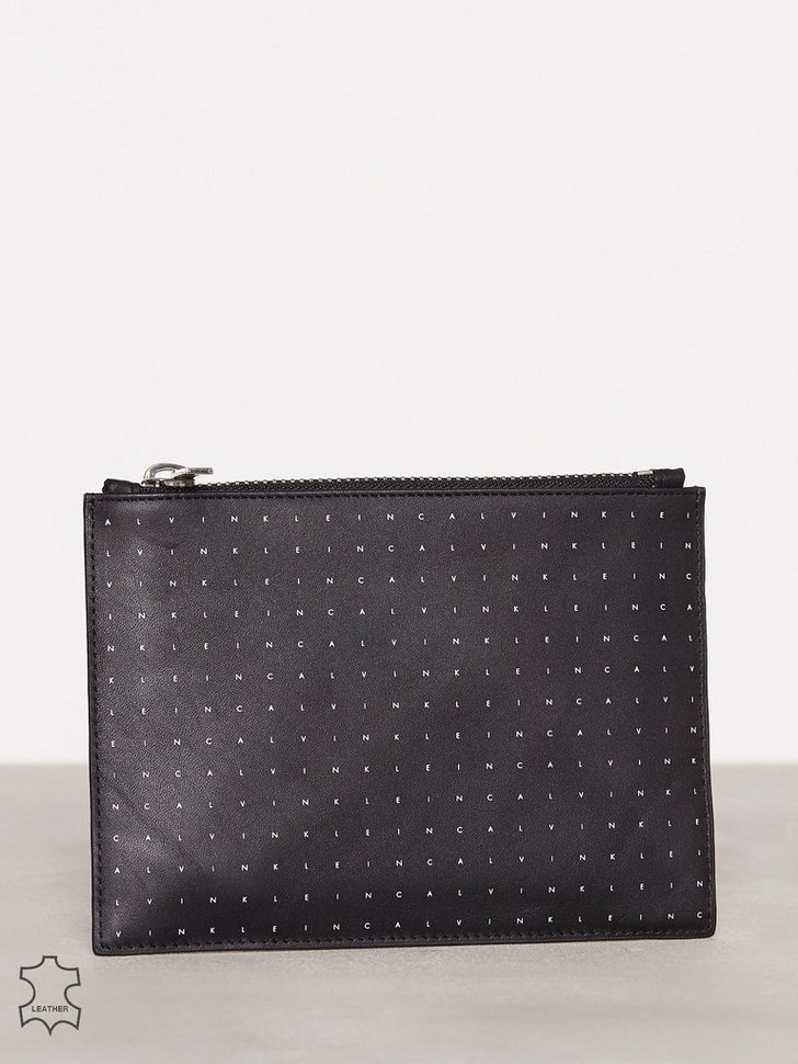 Nelly.com SE - Calvin Grid Flat Pouch M 798.00