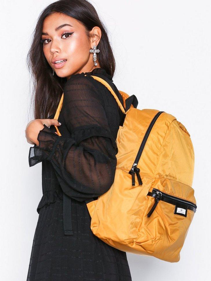 Nelly.com SE - Day Gweneth Pack B 598.00