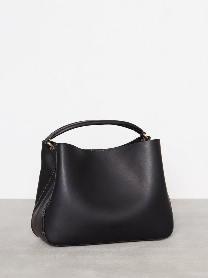 Nelly.com SE - Sleek Tote 1649.00 (3298.00)