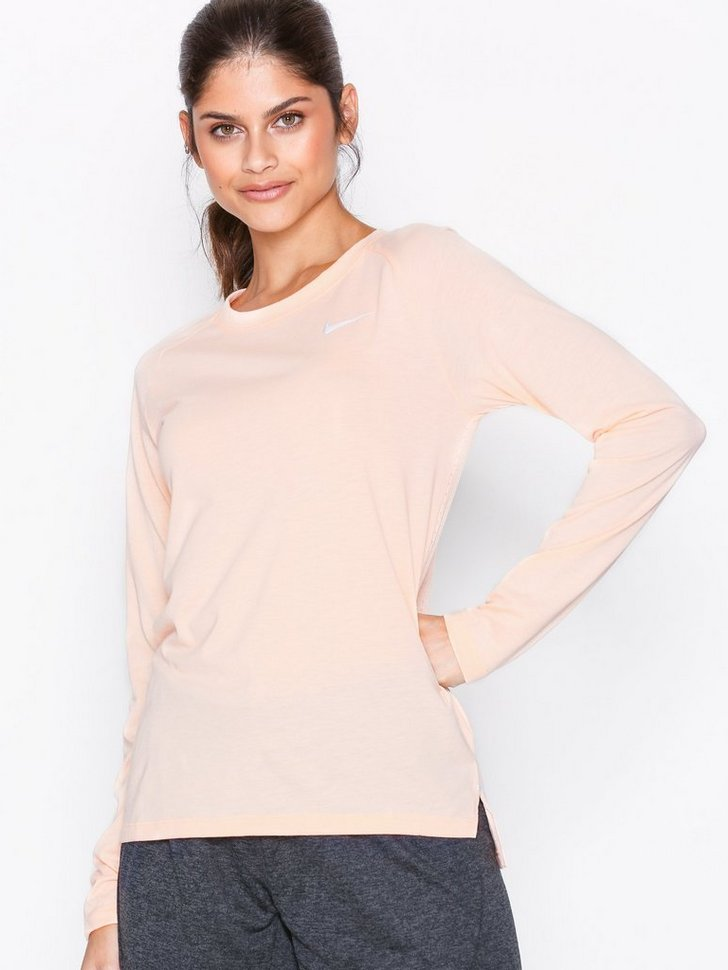Nelly.com SE - Tailwind LS Running Top 448.00