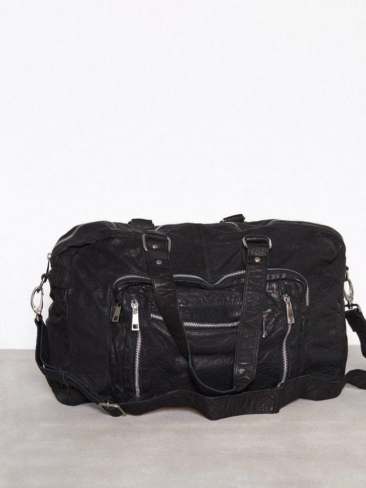 Nelly.com SE - Camilla Travelbag 2398.00