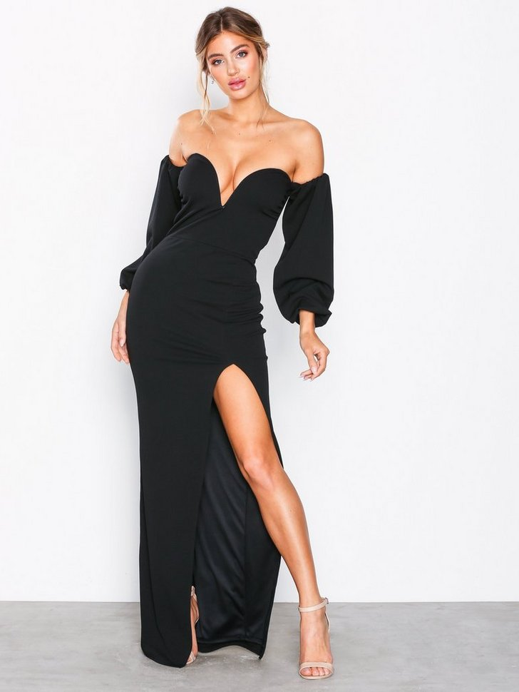 Nelly.com SE - Heart Shaped Neckline Gown 698.00