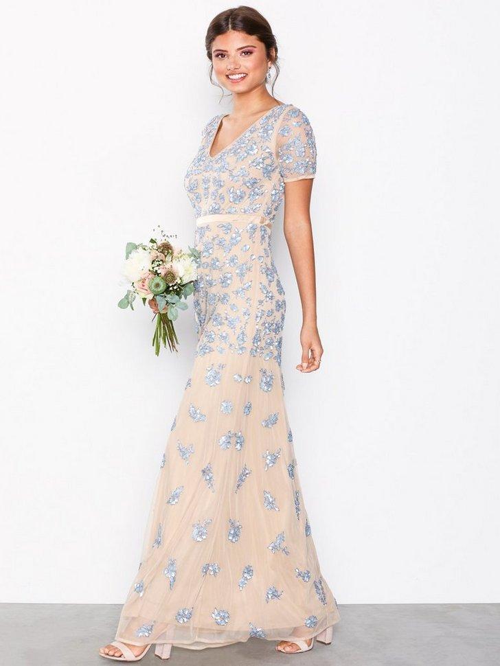 Nelly.com SE - V-Neck Short Sleeve Maxi Dress 1748.00