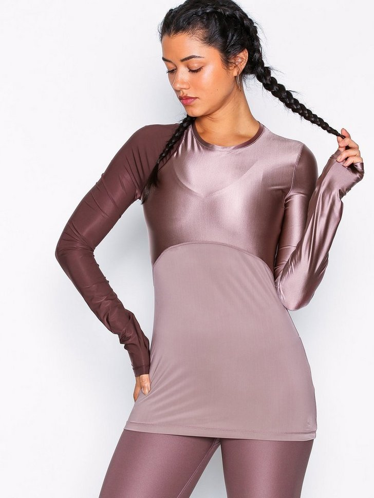 Nelly.com SE - W NP HPRCL TOP LS GLAMOUR 498.00