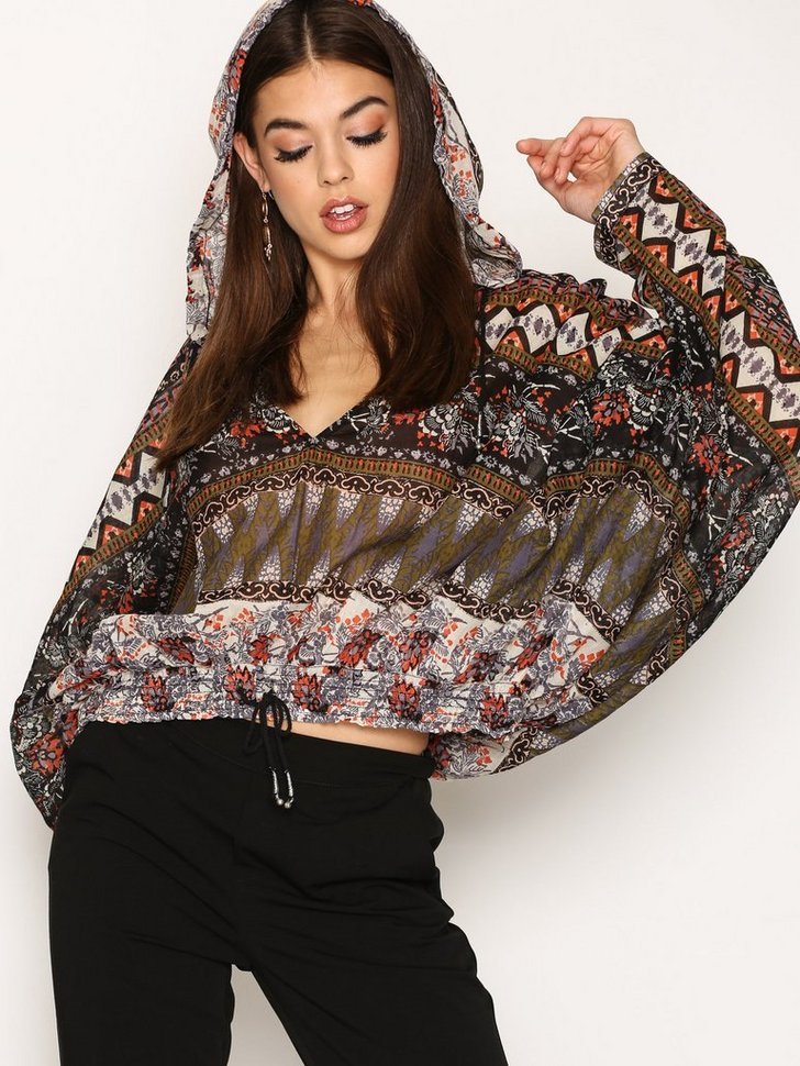 Nelly.com SE - Hold On Tight Pullover 948.00