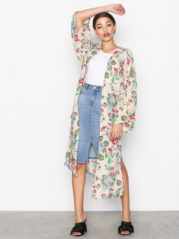 Latimer Kimono