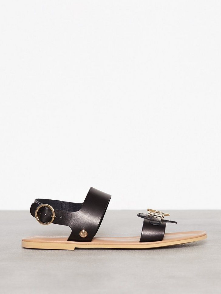 Nelly.com SE - Heart Sandal 1595.00 (2278.00)