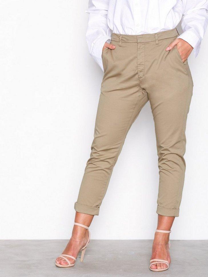 Nelly.com SE - News Trouser 696.00 (994.00)