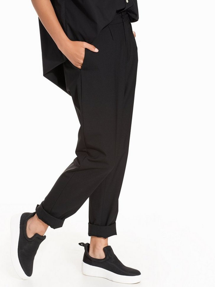 Nelly.com SE - Law Trouser 699.00 (1398.00)