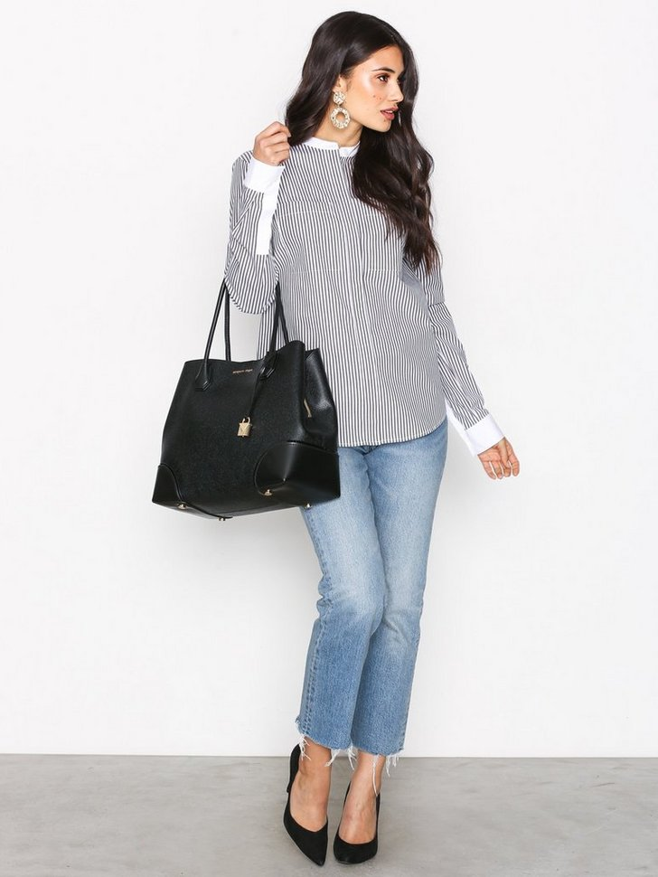 Annie Lg Center Zip Tote
