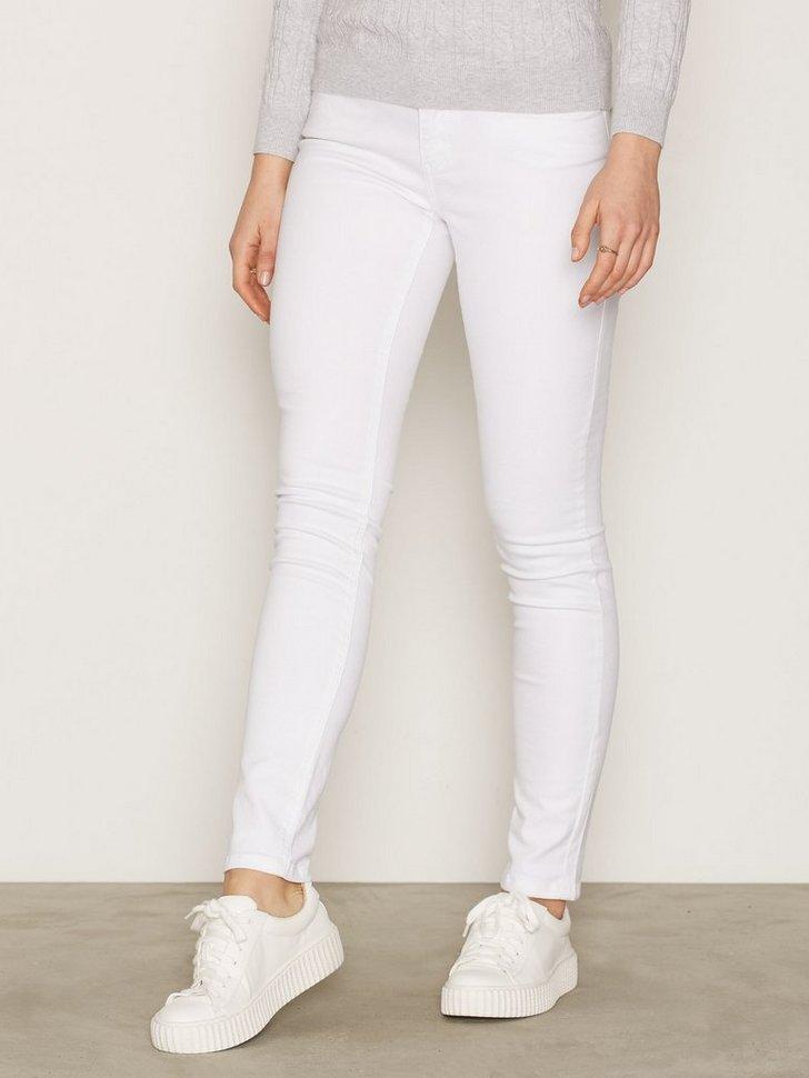 Nelly.com SE - Monroe Jeans 839.00 (1398.00)