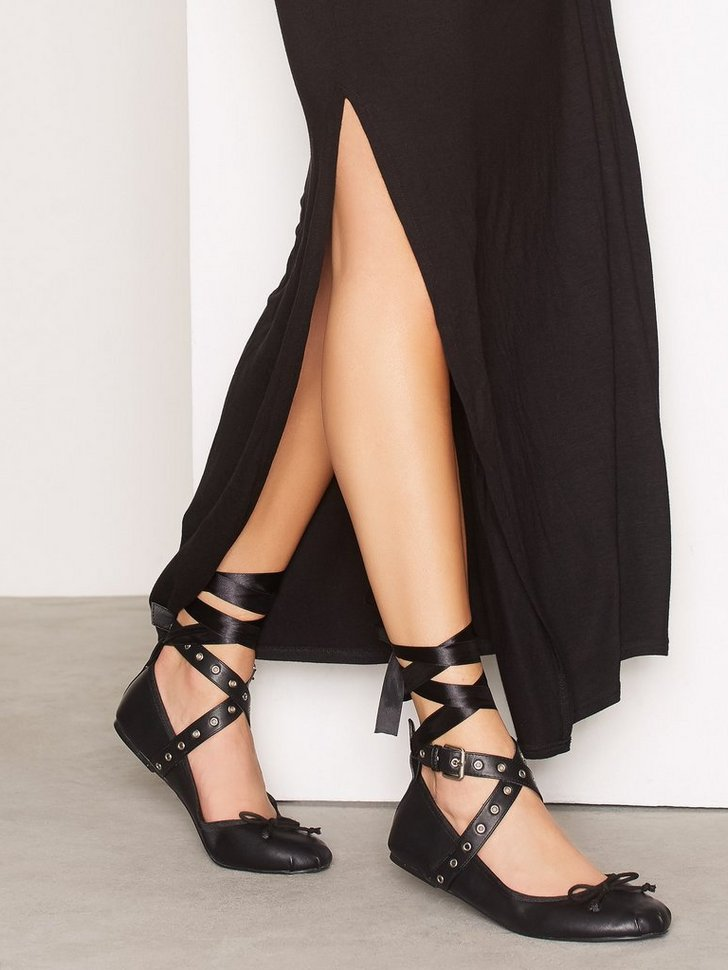 Nelly.com SE - Lace Up Ballerina 348.00