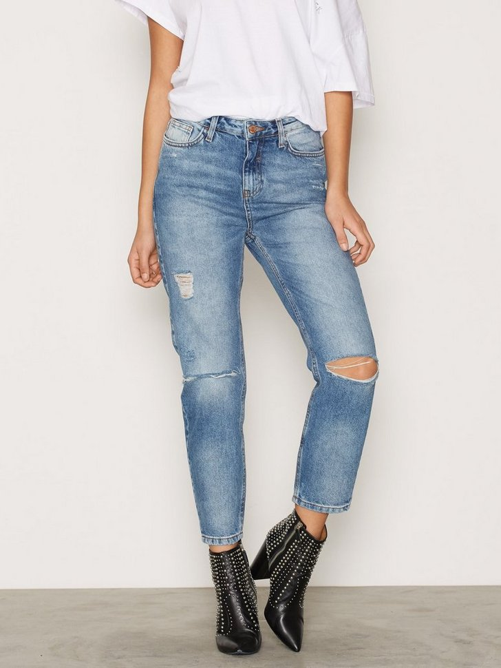 Nelly.com SE - Ripped Knee Mom Jeans 398.00