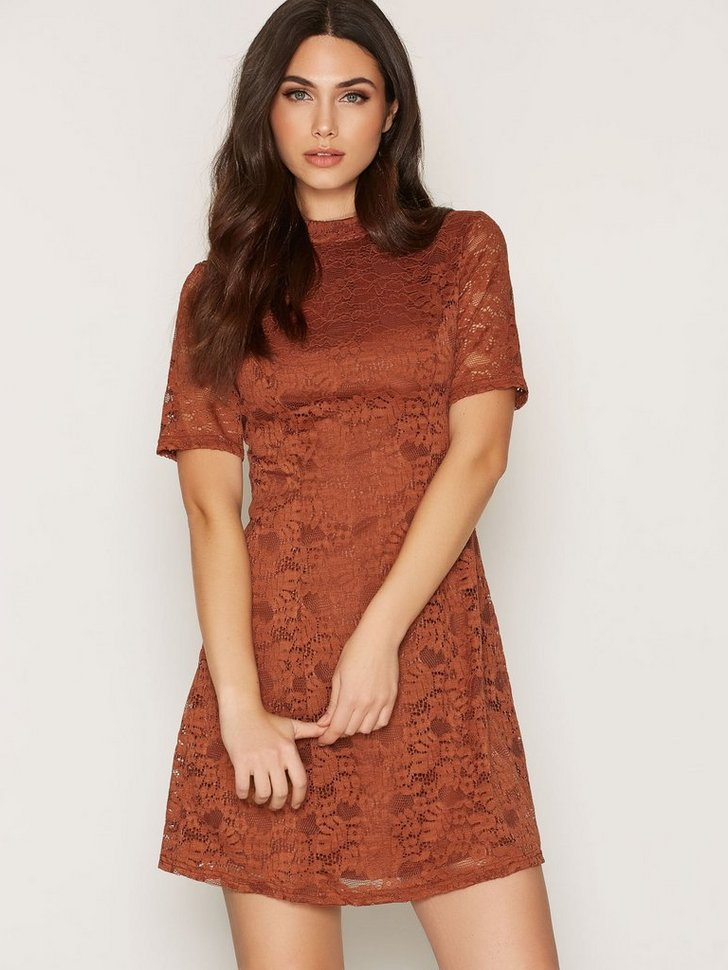 Lace Funnel Neck Dress køb festkjole