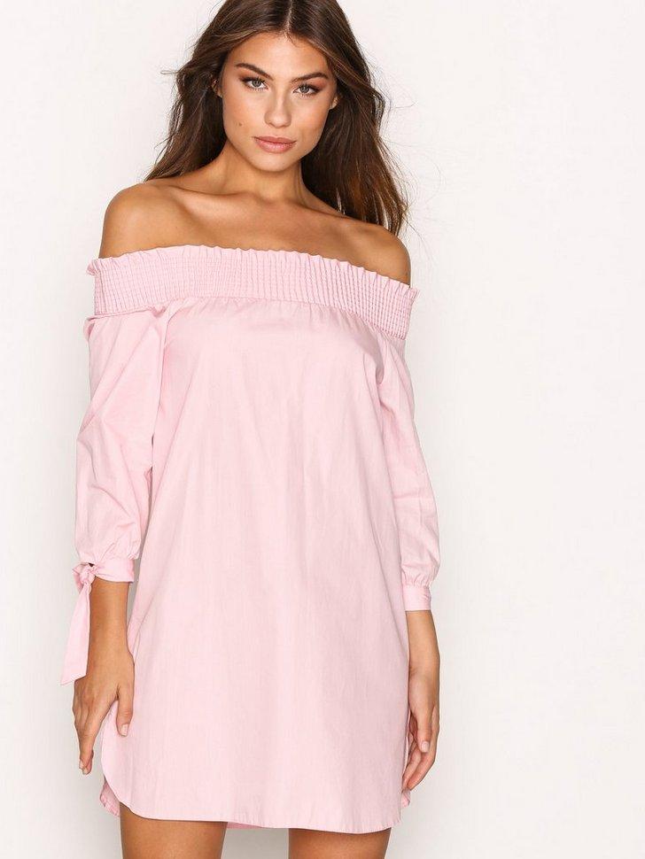 Nelly.com SE - Poplin Bardot Dress 238.00 (298.00)