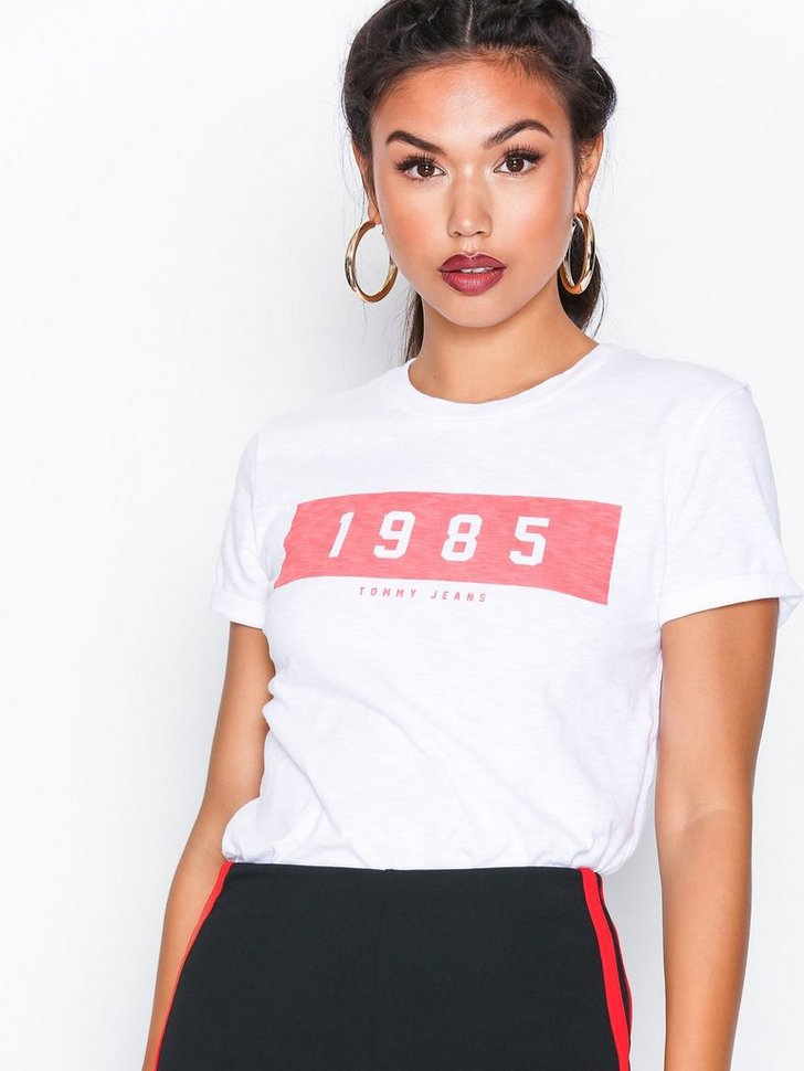 Nelly.com SE - Tommy Jeans 1985 Tee 398.00