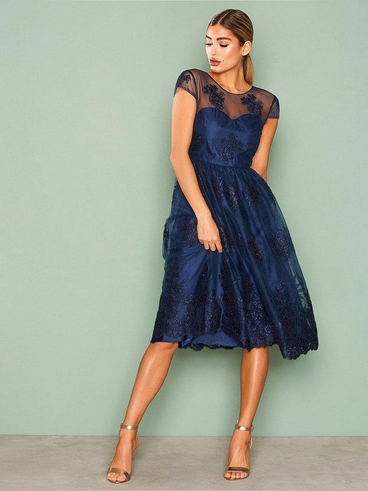 Decorated Short Gown køb festkjole
