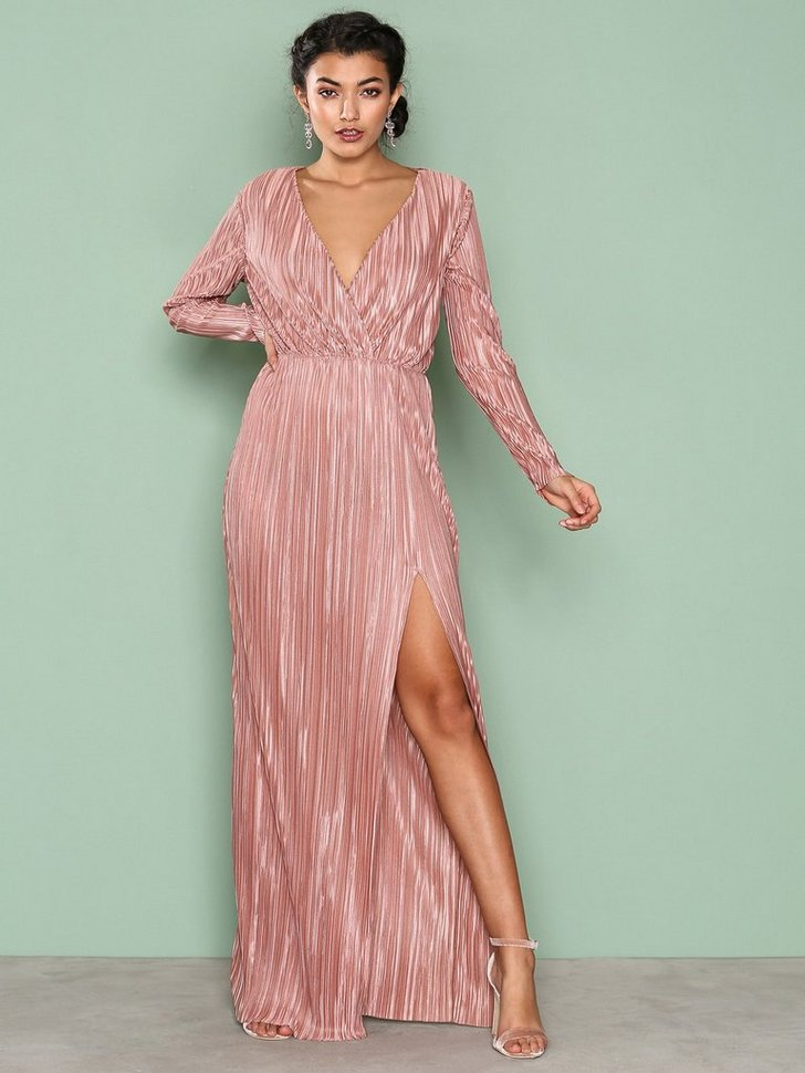 Nelly.com SE - Pleated Long Sleeve Gown 299.00 (498.00)