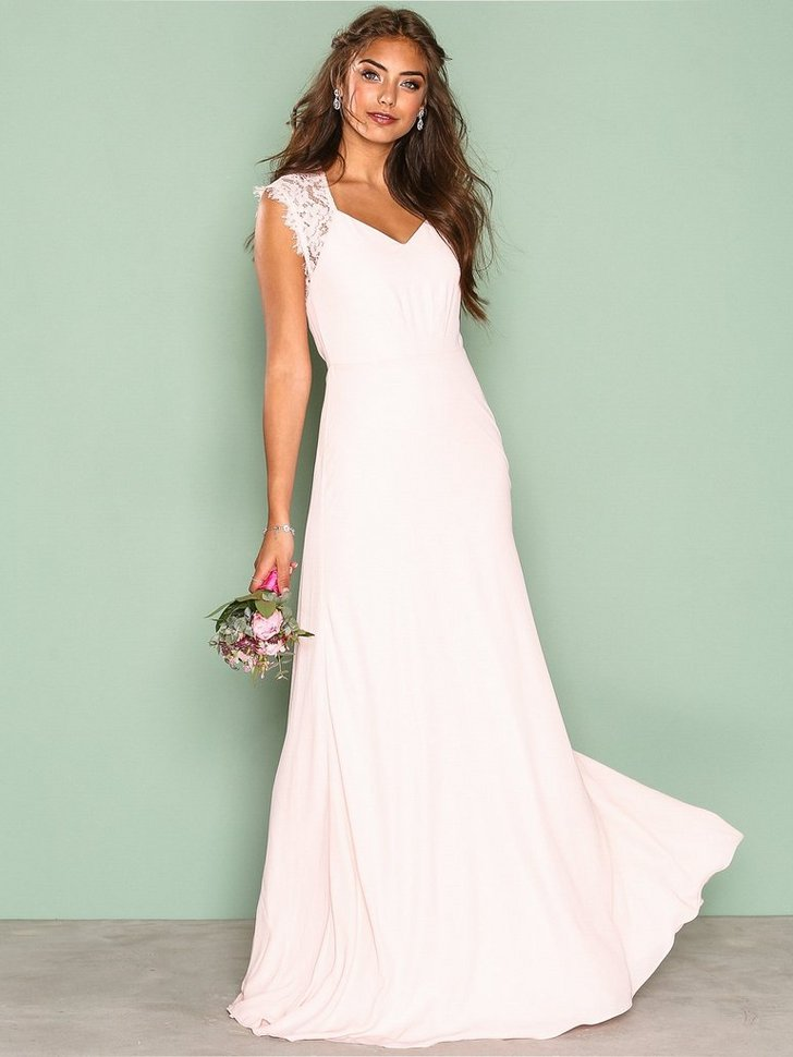 Nelly.com SE - Forever Gown 598.00