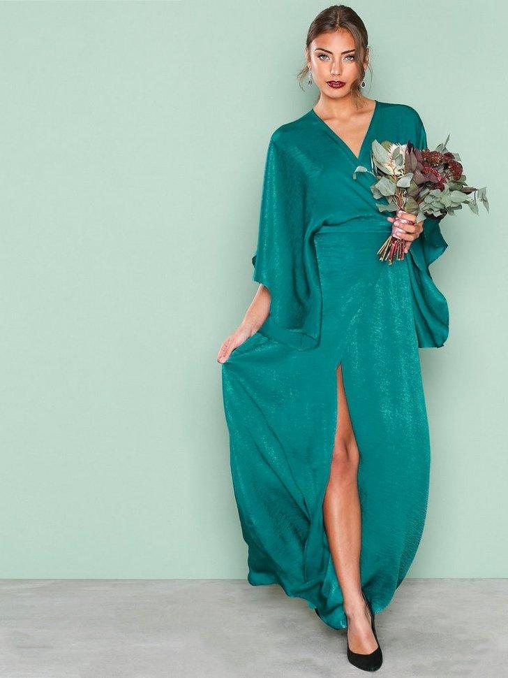 Nelly.com SE - Kimono Sleeve Gown 478.00 (598.00)