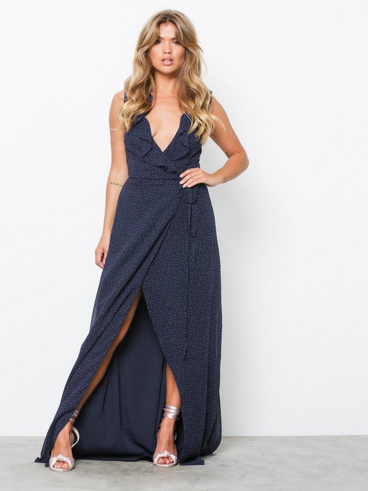 Nelly.com SE - V-Neck Frill Gown 419.00 (698.00)