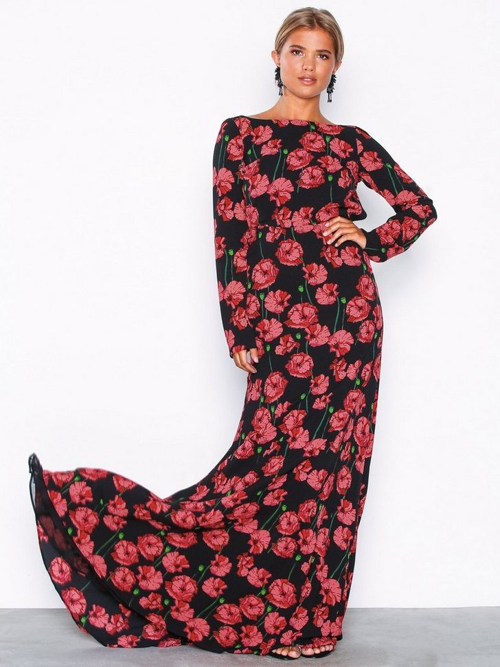 Nelly.com SE - Scoop Back LS Gown 698.00
