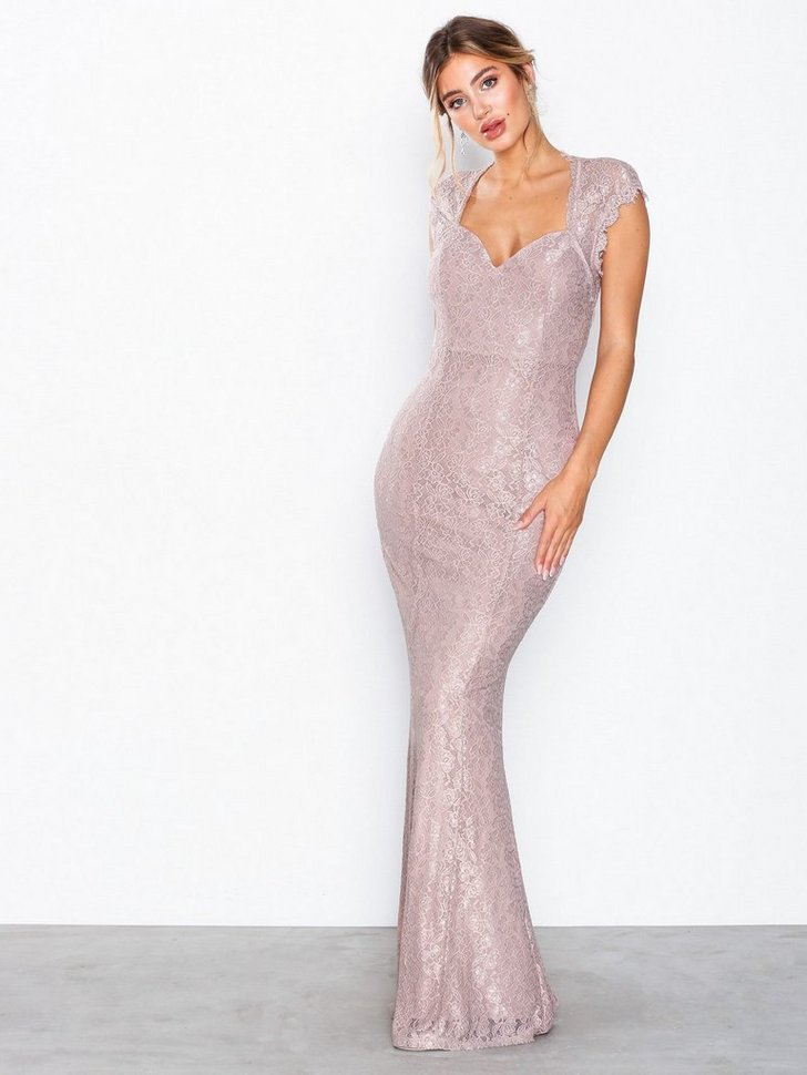 Nelly.com SE - Mermaid Lace Gown 798.00