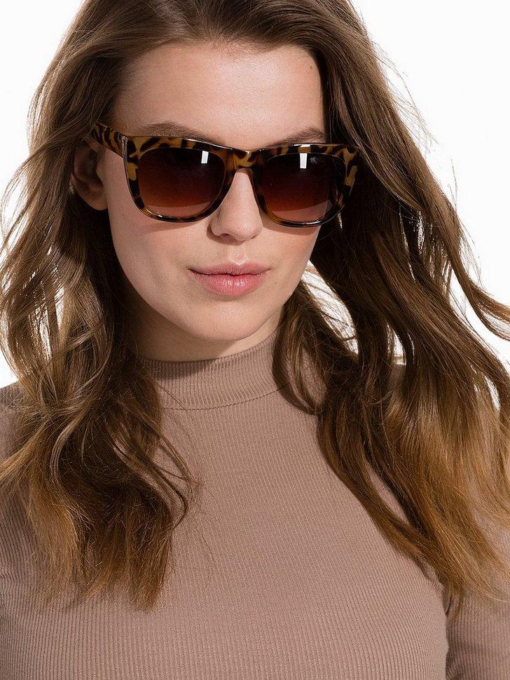 Nelly.com SE - W Sunglasses 148.00