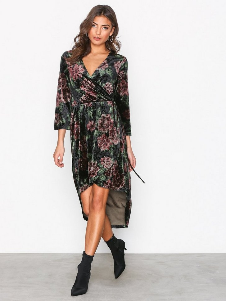 Nelly.com SE - High Low Printed Velour Dress 498.00