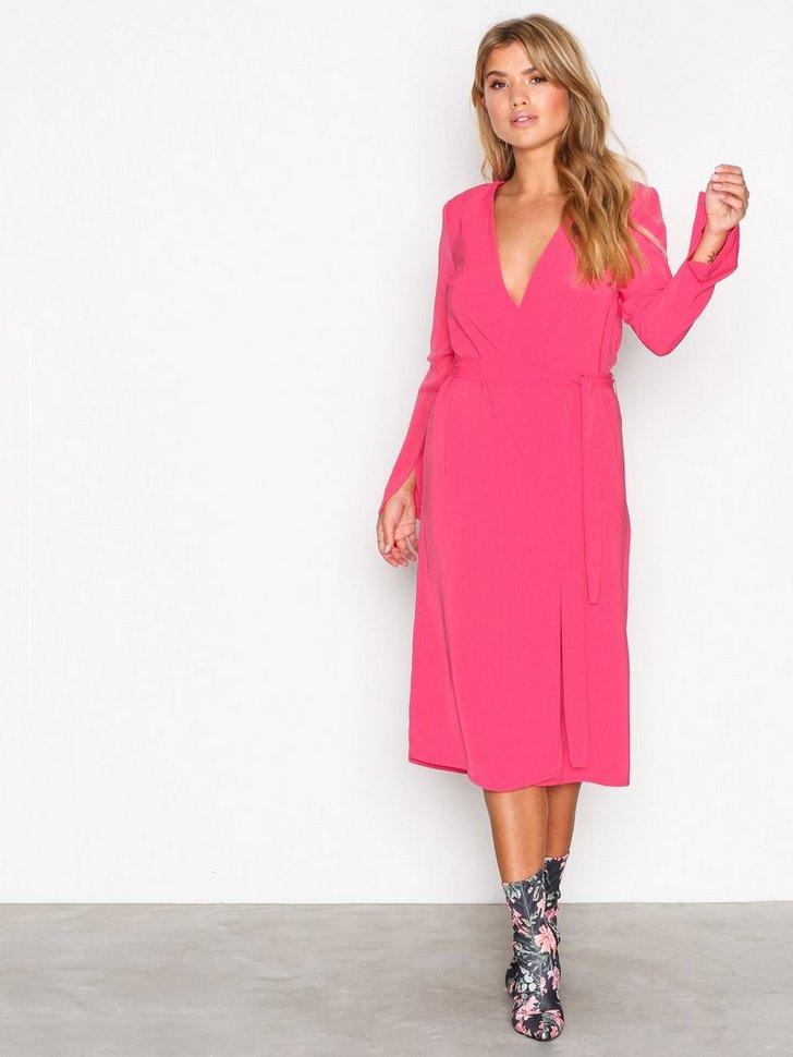 Clean Cut Wrap Dress køb festkjole