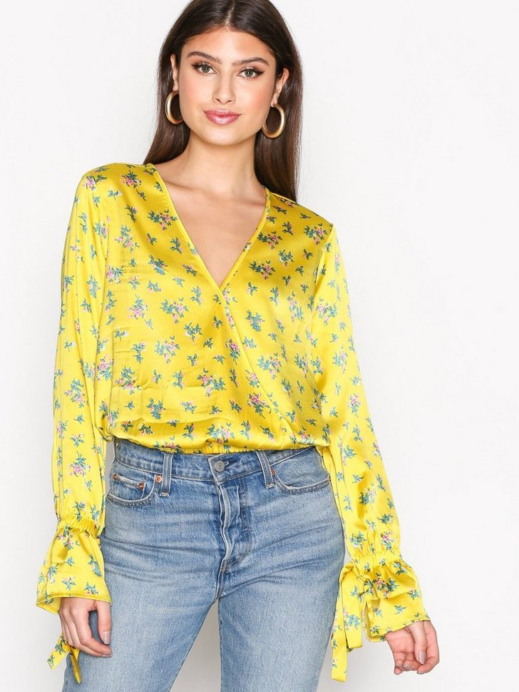 Nelly.com SE - Tie Sleeve Wrapped Blouse 149.00 (298.00)