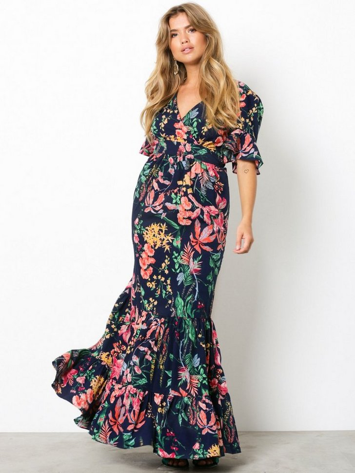 Nelly.com SE - Exotic Long Dress 349.00
