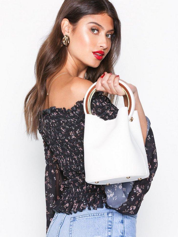 Nelly.com SE - Ring Bag 209.00 (298.00)