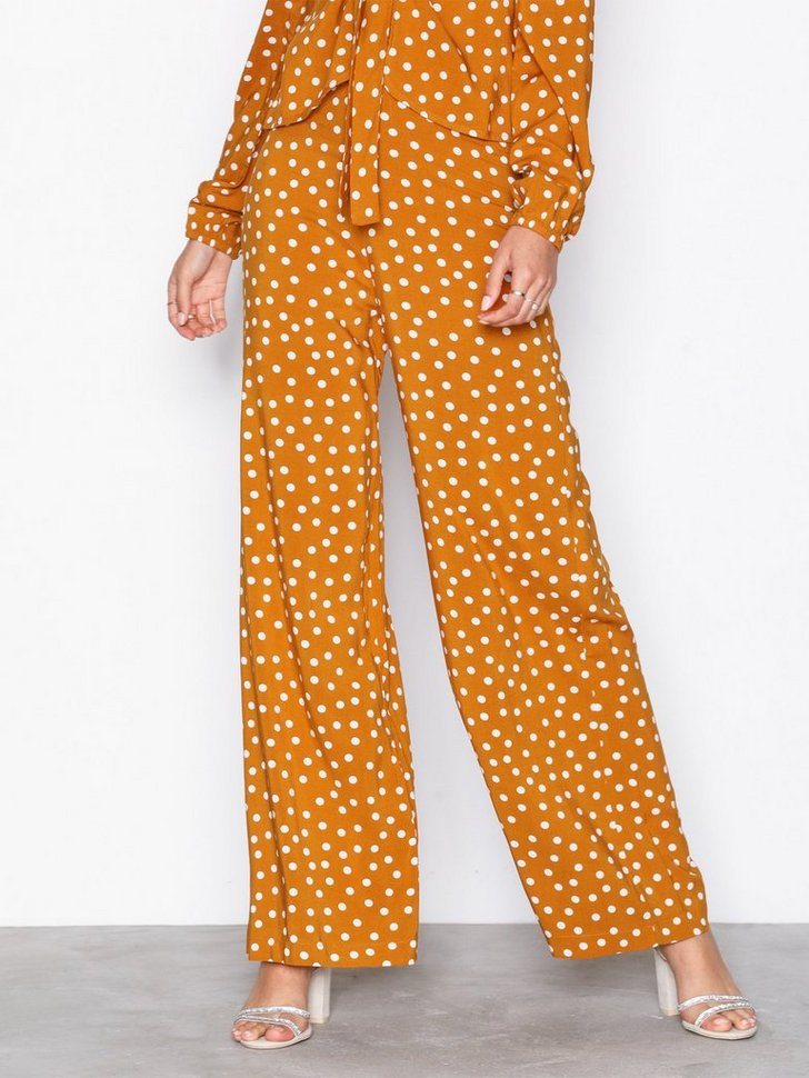 Nelly.com SE - Perfect Pants 398.00